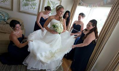 View Photo - Bride with her bridesmaids