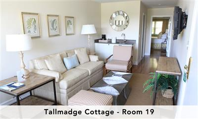 View Photo - Tallmadge cottage master suite