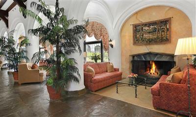 View Photo #14 - Indoor lounge area