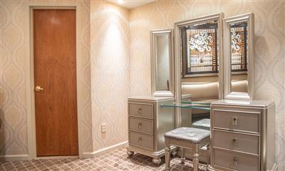 View Photo #18 - Bridal Suite
